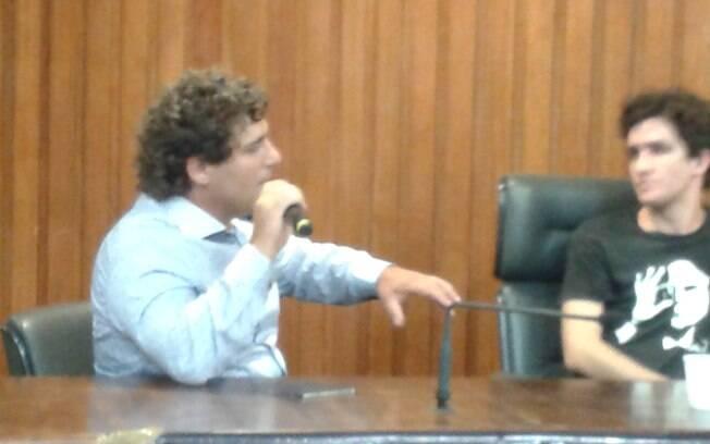Felipe Yarid (esq) diz ter sido envenenado por não aceitar trotes na Esalq (14.01.15). Foto: Ana Flávia Oliveira/iG São Paulo