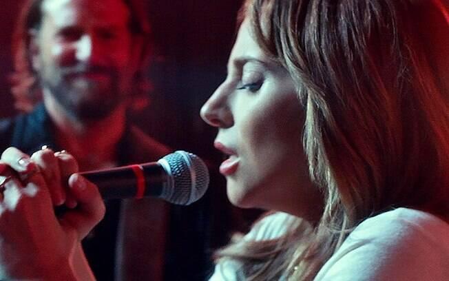 Lady Gaga interpreta a jovem cantora Ally em