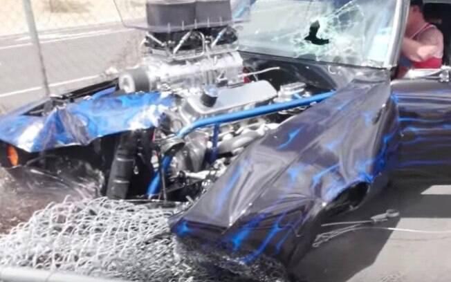 Camaro destruído
