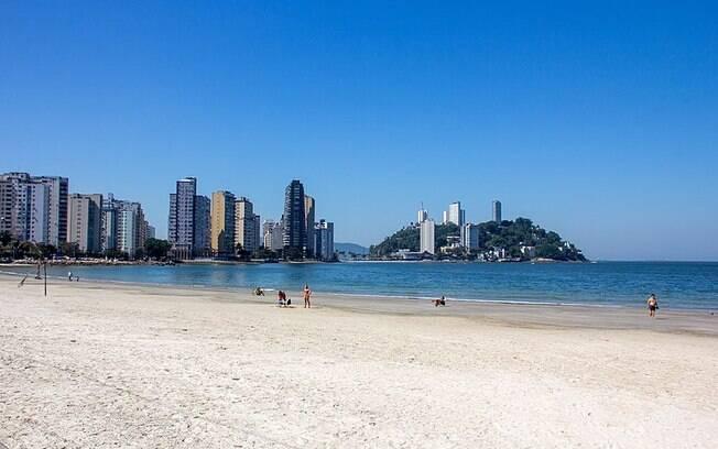 Idosa foi atropelada por trator em praia de São Vicente