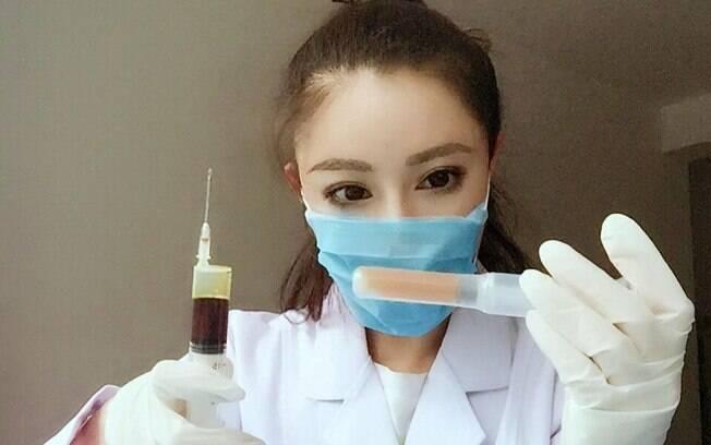 Fisiculturista chinesa Yuan Herong também é médica