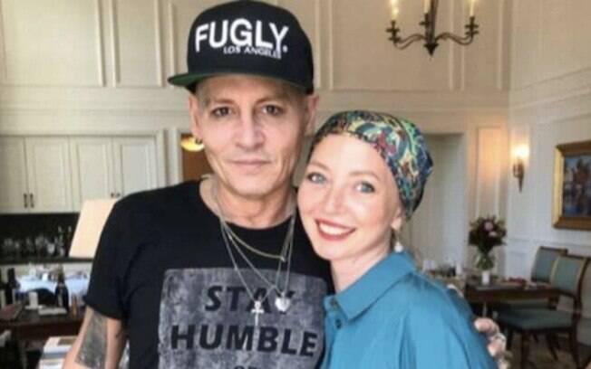 Johnny Depp junto com uma fã