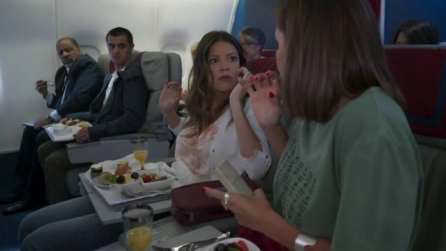 Kyra e Alexia chegam a Cancún