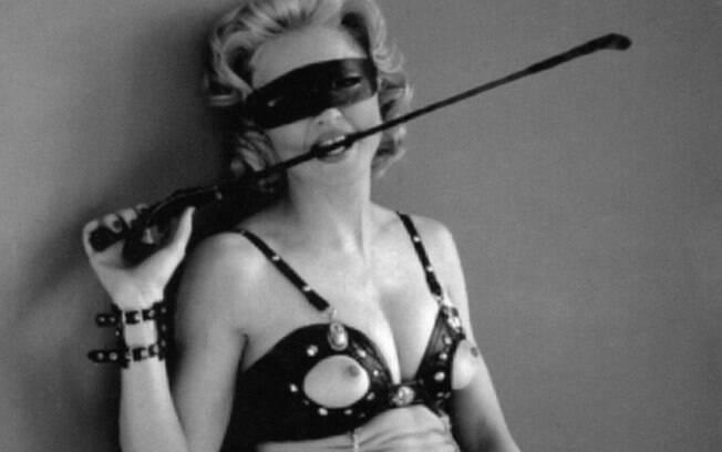 A revolução feminista começa nos anos 1960 influenciou as artistas do pop que vieram depois