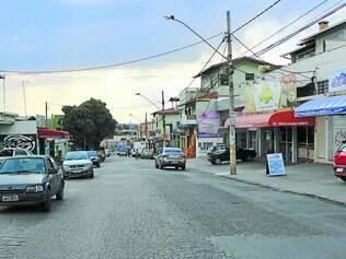 Rua onde fica a padaria assaltada é uma das mais movimentadas do bairro Nossa Senhora das Graças