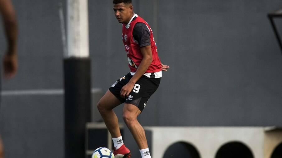 Felippe Cardoso pode estar de saída do Santos