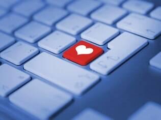 Amor virtual: conversar por meses com uma pessoa não significa conhecê-la a ponto de poder confiar cegamente nela