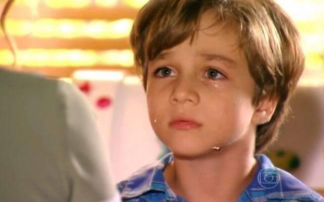 Samuca sente falta da mãe e é destratado por Alberto