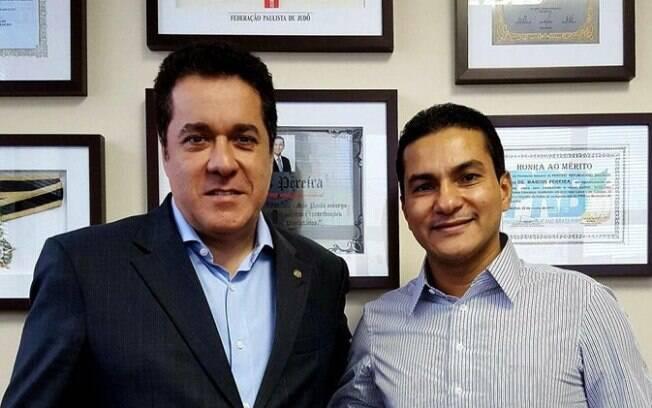 O ex-deputado Marcelo Squassoni (esquerda) foi preso durante operação da PF em Santos.