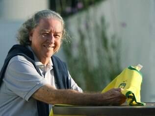 Esportes - Belo Horizonte, Mg. Aldyr Schlee, criador da camisa verde amarela da selecao brasileira. Fotos: Leo Fontes / O Tempo - 30.5.14