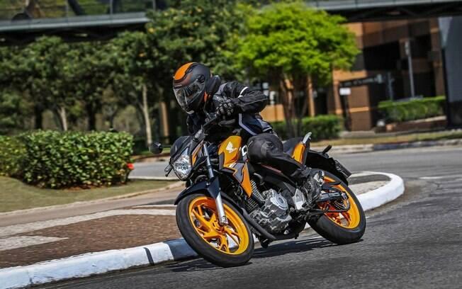 Tal como a Honda NXR 160 Bros, a CB Twister da linha 2019 passa a ser oferecida na nova cor laranja