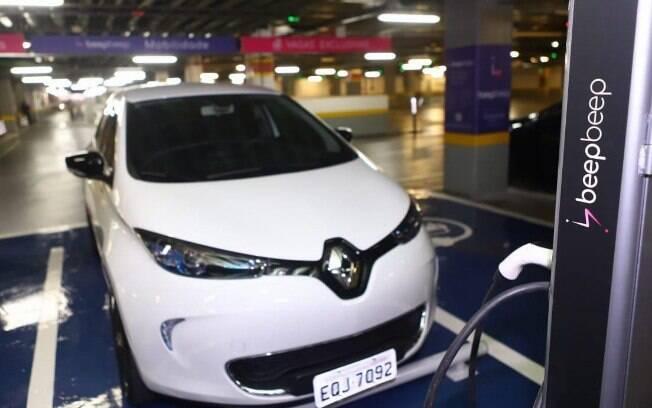 Beepbeep é o novo aplicativo de aluguel de carros elétricos, com o Renault Zoe na frota