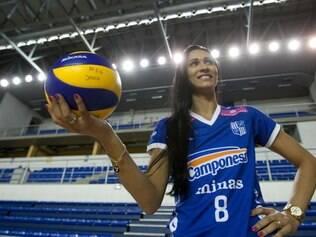 Esportes - Belo Horizonte - MG Apresentacao da atleta de volei Jaqueline , que acaba de ser contratada pelo Minas Tenis Clube  FOTO: FERNANDA CARVALHO / O TEMPO - 19.11.2014
