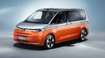 VW revela mundialmente a nova Kombi híbrida, que liga na tomada