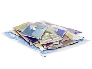 Sacos redutores, como estes da Space Bag Brasil (a partir de R$ 25), ajudam a ganhar espaço na bagagem