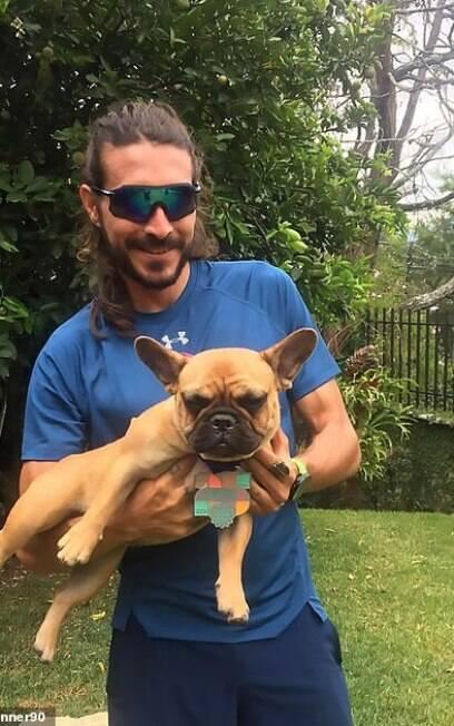 Corredor posa com seu cachorro no Instagram