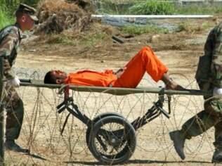 A prisão americana de Guantánamo, em Cuba, tratava os prisioneiros com brutalidade