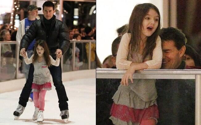 Tom Cruise e a filha se divertem em pista de patinação no gelo