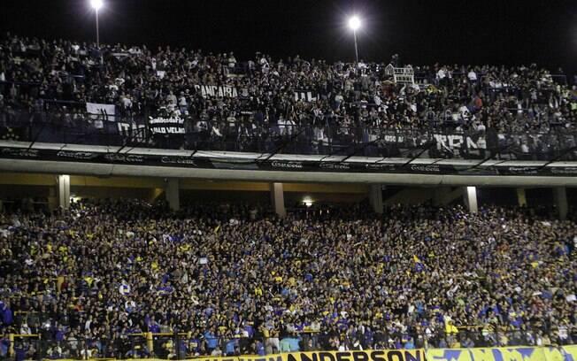 Torcedores do Boca Juniors e Corinthians  lotaram a Bombonera nesta quarta