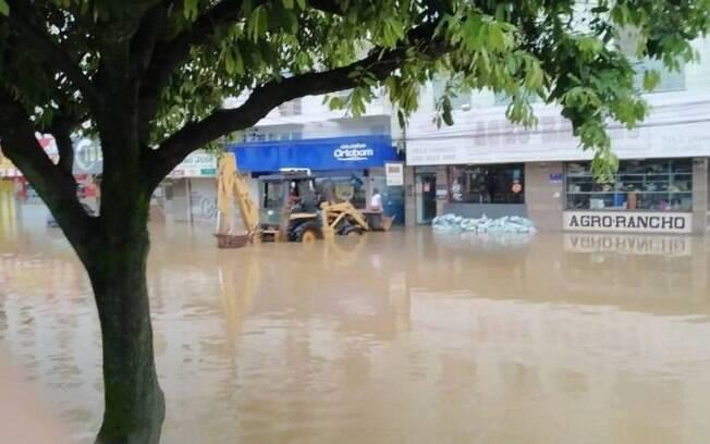 Cidade de Itaperuna foi muito atingida pelas chuvas