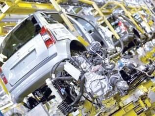 Com férias coletivas, 10 mil veículos deixarão de ser produzidos