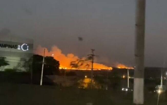 Área próxima ao Jardim São Marcos pegou fogo na quinta-feira.