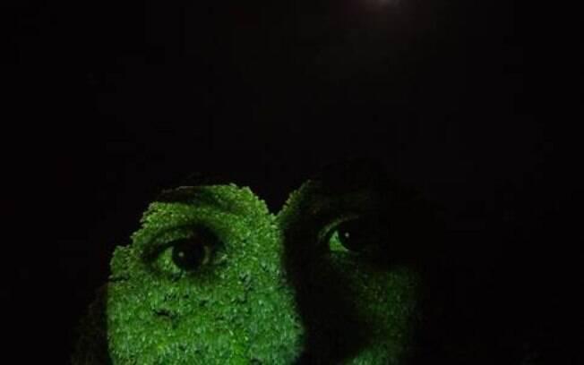 Árvores na Avenida Paulista ganham rostos de pacientes de PAF