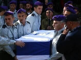 Militares israelenses foram enterrados após ataque do Hezbollah