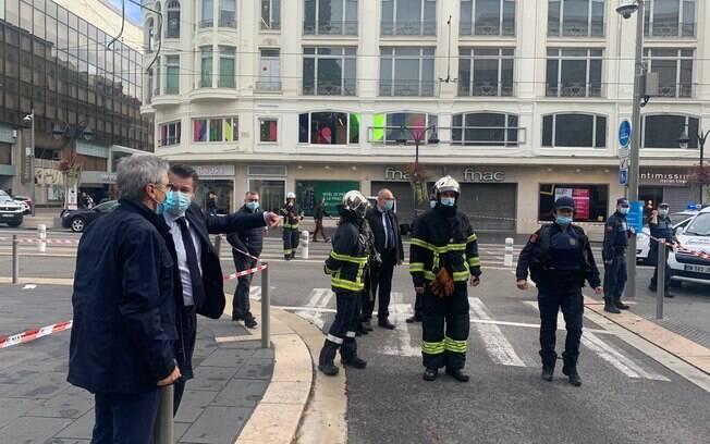 Na quinta-feira, um homem de 21 anos entrou em uma igreja de Nice, decapitou uma mulher e matou outras duas pessoas