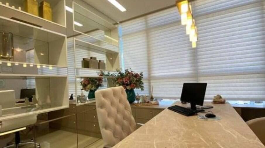 Consultórios com mobiliário espelhados trazem ar de modernidade e conforto