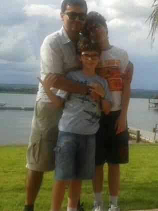 Leonardo com os filhos Teodoro e Eduardo