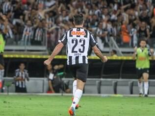 Dátolo fez o terceiro do Galo em goleada sobre o Flamengo