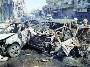 Reduto. Ataques mataram dezenas de combatentes e civis em cidade dominada pelo Estado Islâmico