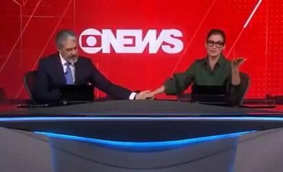 """Bonner e Renata encerram o """"Jornal Nacional"""" chorando"""