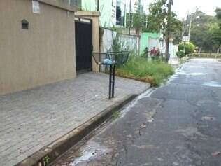 Vazamento já estaria perdurando por mais de 24h em Betim
