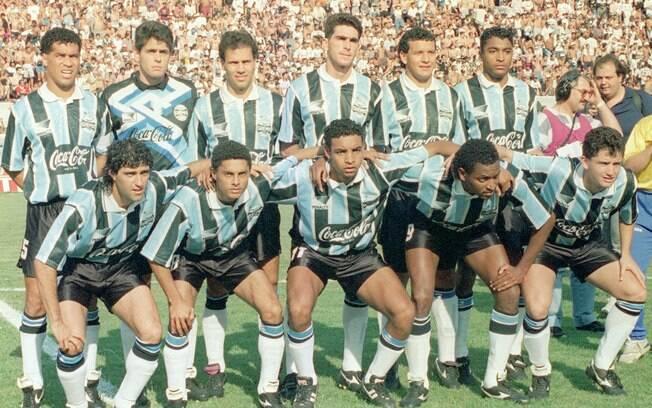 Grêmio de Felipão em 94 antes de jogo contra  o Palmeiras, de Luxemburgo