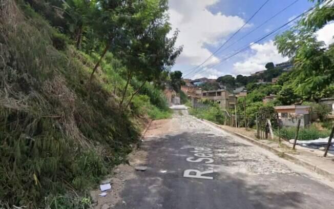 O crime aconteceu na esquina da rua Perimetral com rua Sete, no bairro Landi, em Belo Horizonte