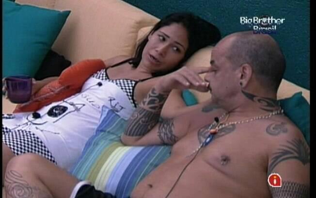 Jakeline conversa com João Carvalho sobre votação deste domingo (15)