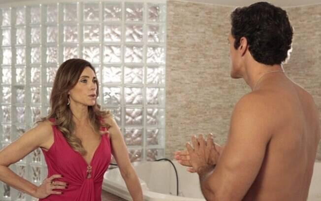 Ferdinand (Carlos Machado) tenta transar com Tereza Cristina (Christiane Torloni), mas leva um fora