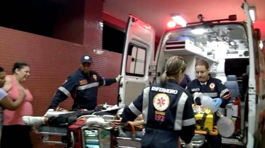 Ligue imediatamente para o Samu (192) ou Corpo de Bombeiros (193) caso haja algum ferido mais grave