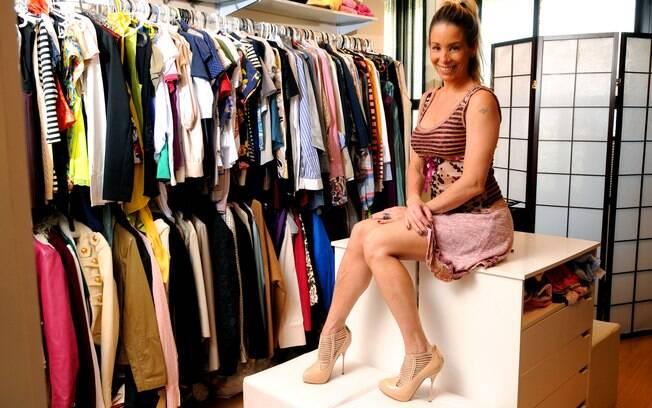 82ef087a11d Danielle Winits veste vestido Yes Brasil e sapato John Galliano. Foto   George Magaraia