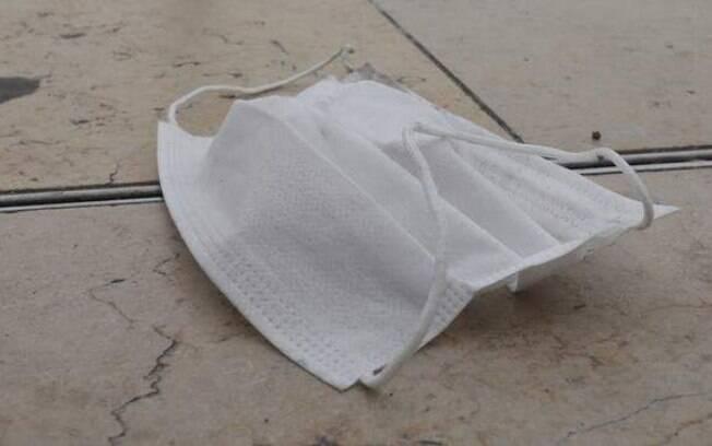 Vítima acusou o ex-marido de ter usado o veneno para embeber a máscars que ela usaria ao sair de casa