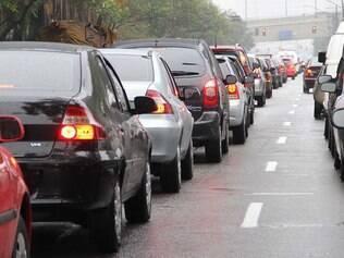 Programe bem seus horários para não passar horas parado no trânsito