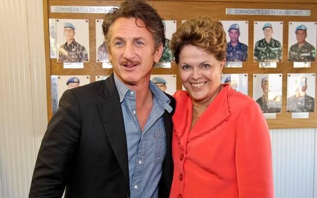 Em 2012, presidente Dilma Rousseff durante audiência concedida ao ator Sean Penn no Haiti (01/02/2012)