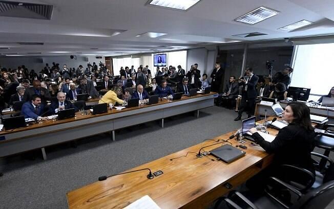 CCJ do Senado aprovou dois projetos relacionados a armas de fogo por unanimidade