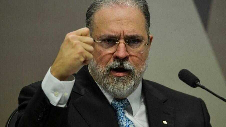 Aras se posicionou contrário a autonomia do Banco Central