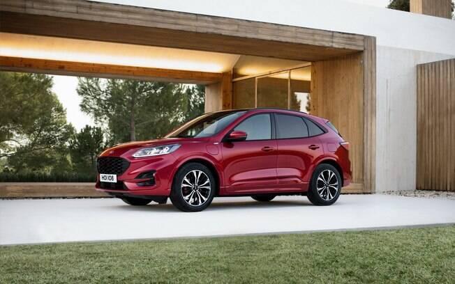 O Ford Kuga Híbrido deve ser o primeiro lançamento da marca em 2020