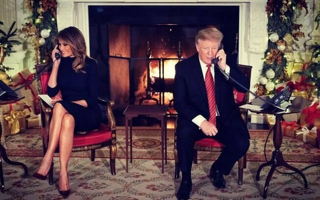 Donald Trump e sua esposa, Melania, participam de evento tradicional de ligações de Natal na Casa Branca
