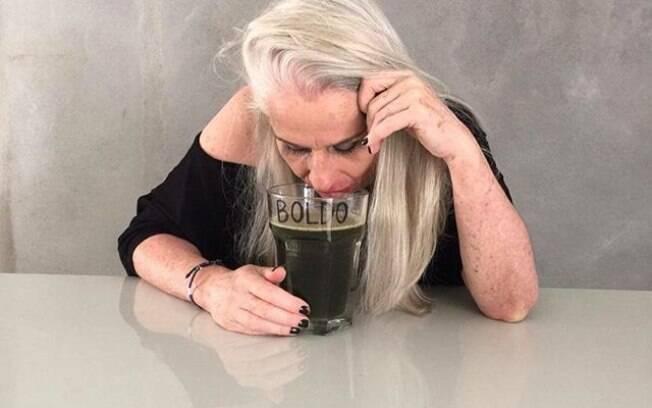 Vera Holtz e sua saga com o copo de boldo. Foto: Reprodução