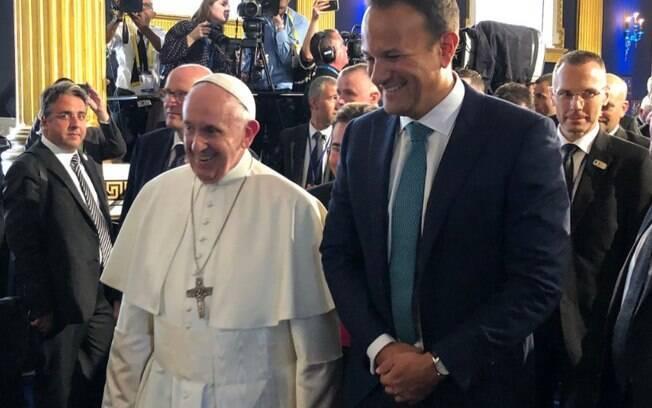 """Primeiro-ministro Leo Varadkar clamou por um """"novo relacionamento"""" entre Igreja e Estado na visita de Papa Francisco no país"""